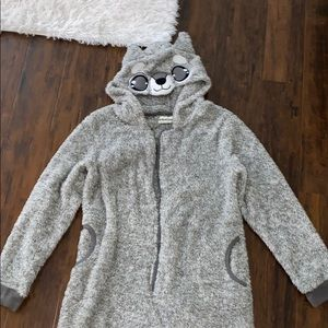 Super cute raccoon onesie size small